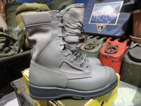 U.S.AIR FORCE Gore-Tex Boots size9.5W new