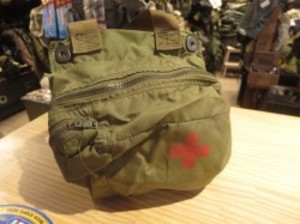 U.S.First Aid Kit Pouch for Combat Vehicle? 1971年