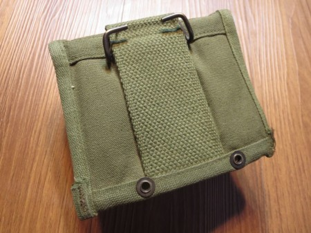 U.S.First Aid pouch Cotton with inside 1967年 new?