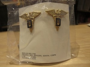 """U.S.ARMY Officers Insignia """"DENTAL CORPS"""" 1983年"""