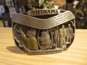 "U.S.Buckle ""VIETNAM AMERICA REMEMBERS"" used?"