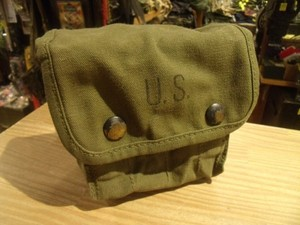 U.S.Cotton Pouch for First Aid 1945年? used