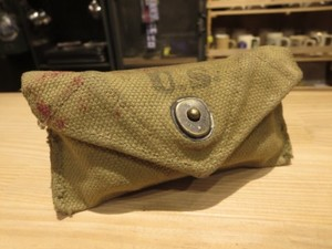 U.S.First-Aid Packet with Pouch 1942年 used