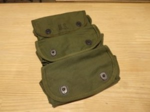 U.S.Pouch Carrier Grenade 3 Pocket 1945年 used?