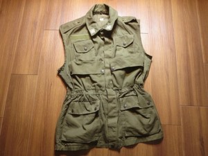 Italy Field Vest? Light Weight sizeM? used