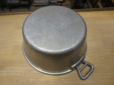 France Pot? Aluminum used
