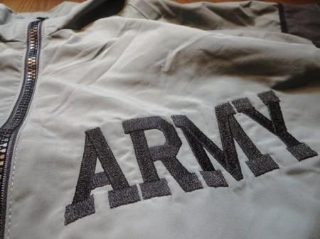 U.S.ARMY Physical Fitness Jacket sizeLarge-Regular