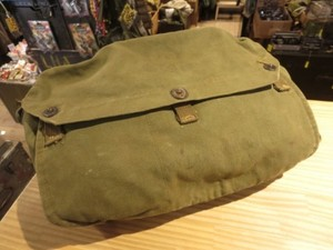 U.S.ARMY Gas Mask Bag M6 Carrier 1940年代 used