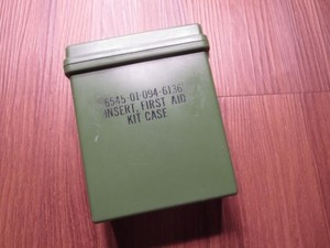 U.S.First Aid Kit Set 1980年代 new?