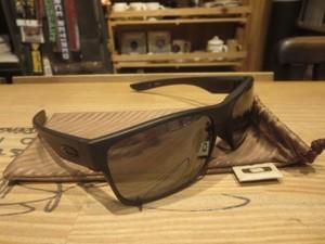 "U.S.OAKLEY Sunglasses ""TWOFACE ASIAN FIT"" used"