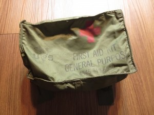 U.S.First Aid Kit Pouch for Combat Vehicle? 1972年