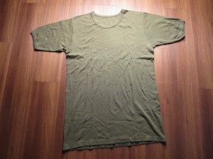 U.K.? T-Shirt Field Olive sizeM? used