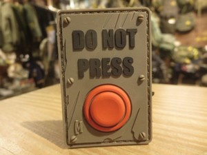 """U.S.Funny Patch """"DO NOT PRESS"""" used?"""