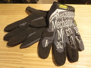 "U.S.Mechanix Wear Glove ""VENT"" sizeS used"