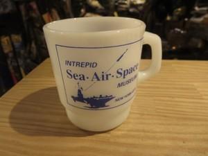 """U.S.MUG """"USS INTREPID SEA AIR&SPACE MUSEUM"""" used"""