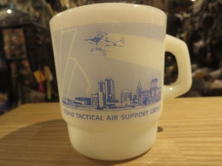 "U.S.MUG ""182nd TACTICAL AIR SUPPORT GROUP"" used"