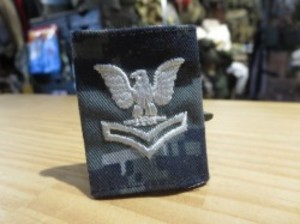 """U.S.NAVY Insignia """"PettyOfficer SecondClass"""" used"""