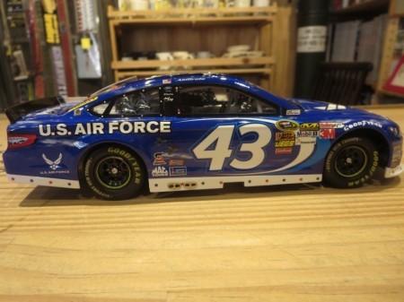 """U.S.AIR FORCE Nascar RacingCar """"ARIC ALMIROLA""""1/24"""