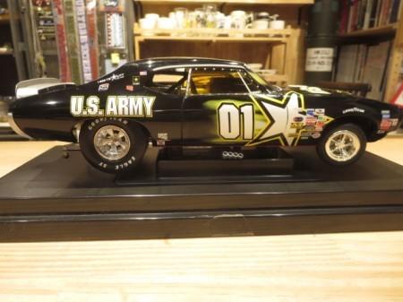 "U.S.ARMY NASCAR ""JERRY NADEAU"" 1969 GTO 1/18 used"
