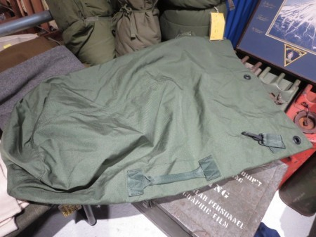 U.S. Duffel Bag Nylon 2 Straps 2011年 used