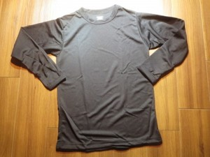 U.S.Under Shirt Middle Weight sizeS new