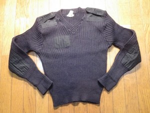 U.K.Sweater Black 100%Wool size40 used